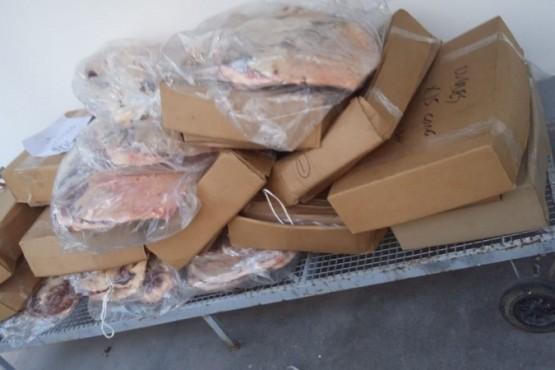 Transportaba carne vencida, la que fue decomisada.