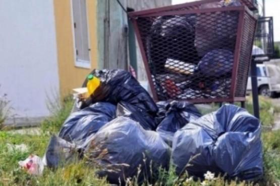 Río Gallegos| Vecinos queman la basura porque no pasa el camión recolector