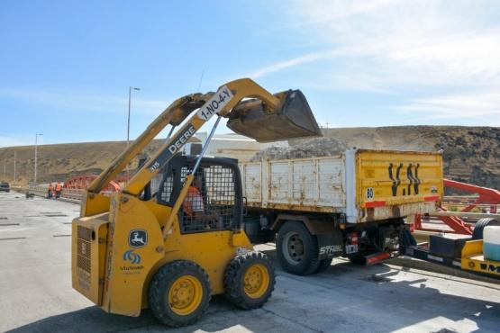 Vialidad Nacional informa que mañana lunes 18 de enero, personal vial del organismo, comenzará a realizar trabajos de mantenimiento en la carpeta de rodamiento del puente sobre el Río Gallegos, Ruta Nacional N°3 -Güer Aike.