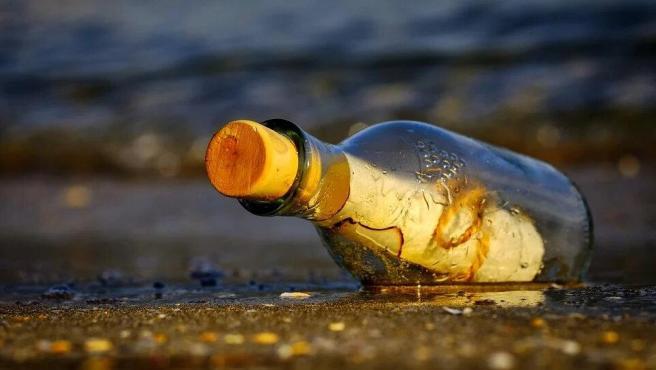 La botella.