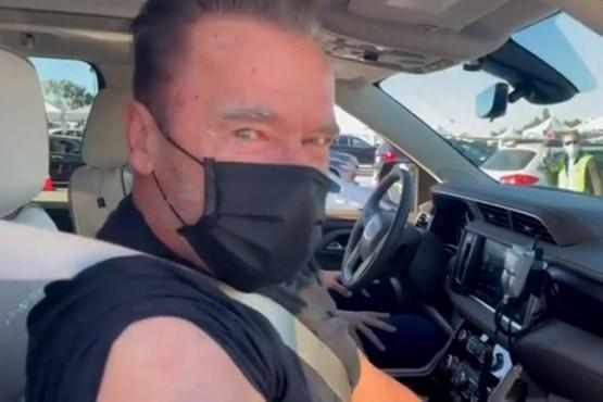 Schwarzenegger usó una frase de Terminator para promover la vacunación contra el COVID