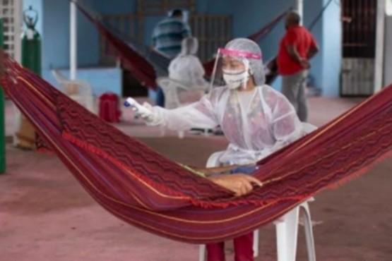 Pacientes con coronavirus escapan de los hospitales ante la falta de oxígeno
