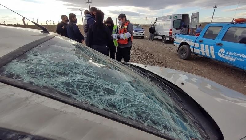El rodado terminó con algunos daños en el parabrisas y techo. (Foto: C.G.)