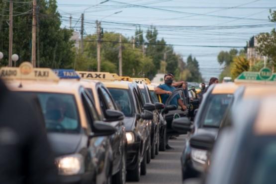 Taxistas de Río Gallegos marcharon.