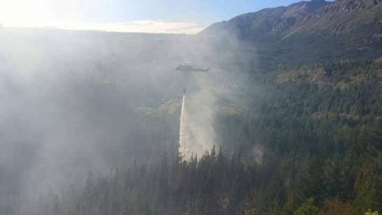 Epuyen| Permanece activo uno de los tres incendios