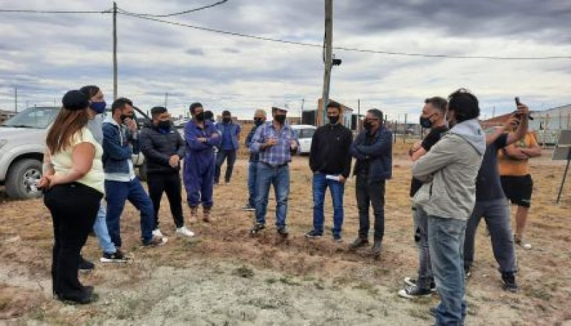 Río Gallegos| Recorrieron obras para mejorar la distribución de la red de agua del Barrio Ayres Argentinos