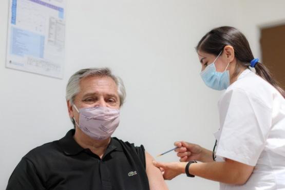 Alberto se vacunó con la Sputnik V.