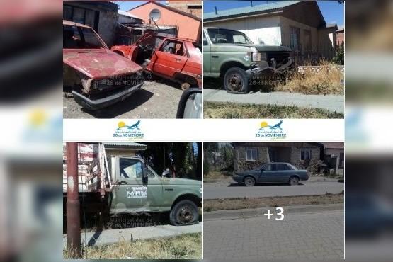 El Municipio que publica fotos de autos en desuso y si no son retirados labra multa y lo secuestra