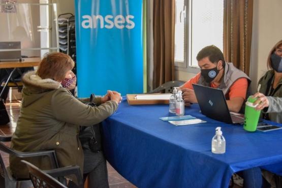 Río Gallegos| ANSES y Migraciones atienden en la Junta Vecinal del Bº Natividad de Jesús