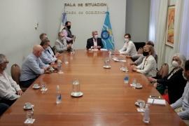 Chubut  Arcioni se reunió con representantes de clínicas y sanatorios de la provincia