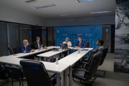 La reunión de los funcionarios.