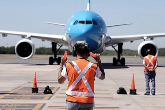 Regresa a la Argentina el tercer vuelo con 220 mil vacunas Sputnik V