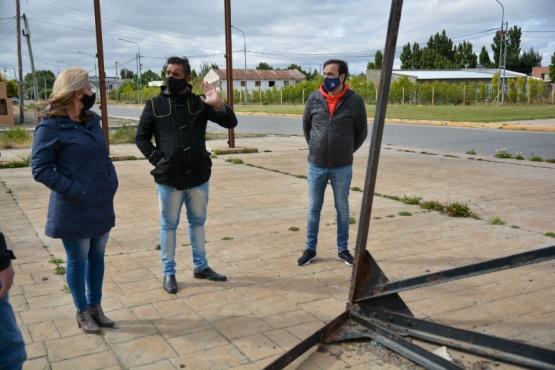 Pablo Grasso se reunió con vecinos de los barrios El Puerto y El Faro de Río Gallegos