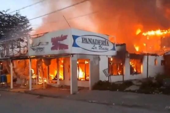 Un incendio devastó la panadería La Unión.