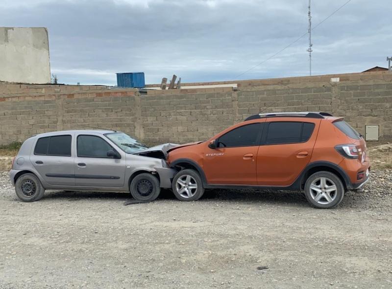 Los vehículos implicados.
