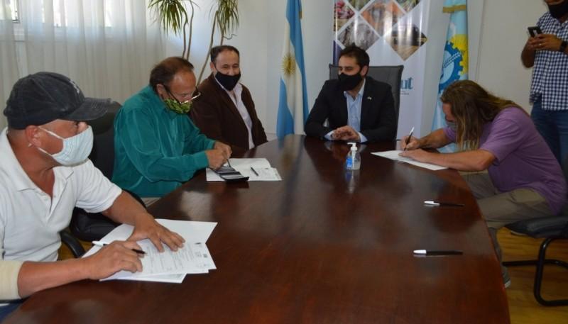El Ministerio de Agricultura, Ganadería, Industria y Comercio entregó créditos a productores agropecuarios