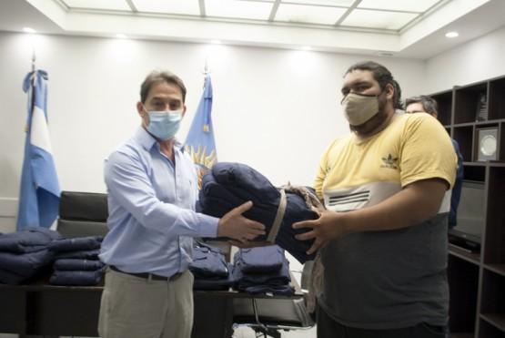 Empleados de la Subsecretaría de Transporte recibieron indumentaria