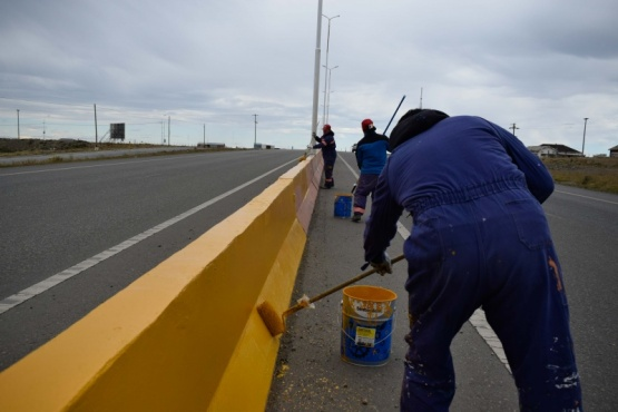 Trabajos de pintura en la Autovía.