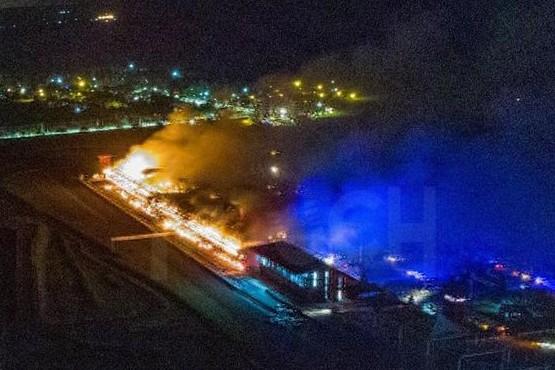 Se incendió una parte del autódromo de Termas de Río Hondo