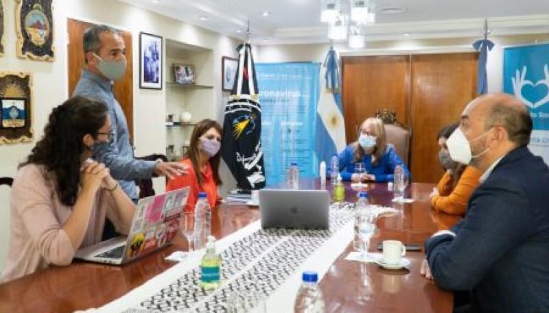 Alicia Kirchner se reunió con investigadores del CONICET