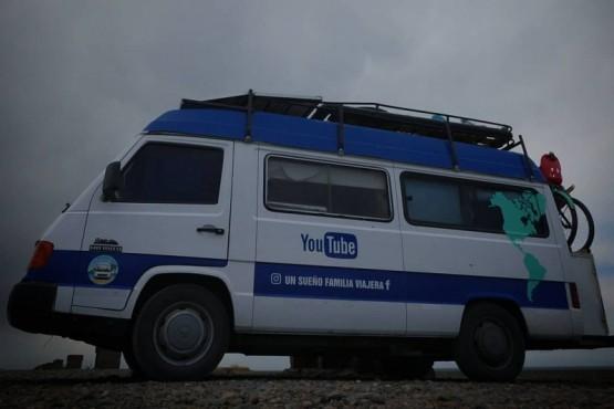 Llegó a Río Gallegos la familia que viaja desde Ushuaia a México en camioneta