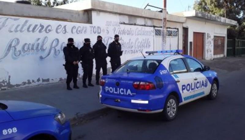 Personal Policial desbarató una fiesta clandestina en Caleta Olivia