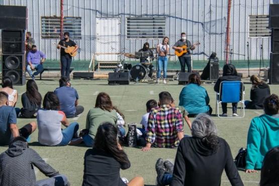 Músicos locales se presentaron en un Encuentro Folclórico Solidario