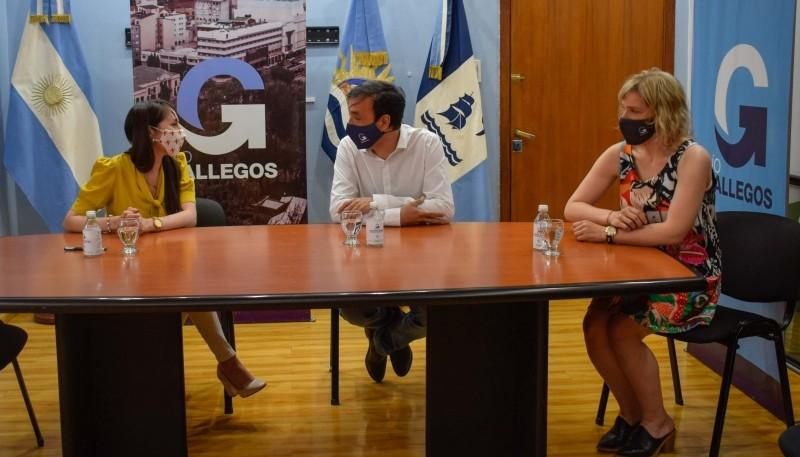"""Municipalidad y Tarjeta Naranja firmaron """"Acta Compromiso"""" con descuentos y financiación especial"""