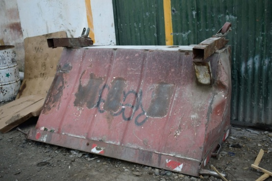 Operarios de Recolección Urbana continúan con la reparación de contenedores de residuos