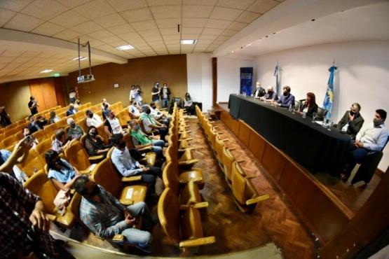Perata satisfecha con las reuniones que mantuvo el ministro Trotta en Chubut