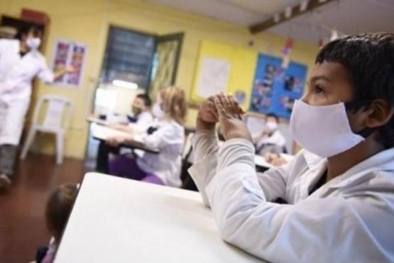 """""""Hay que esperar a ver cómo avanza la vacunación y tener los cuidados pertinentes para retornar a clases"""""""