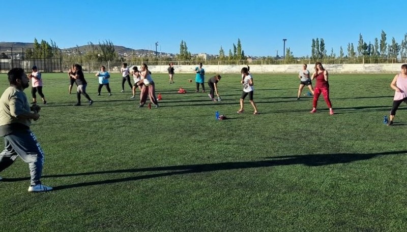 Actividades recreativas al aire libre en Caleta Olivia.
