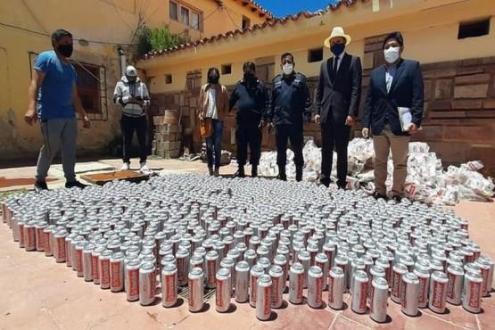 Destruyeron más de 900 latas de cervezas que fueron decomisadas en Jujuy