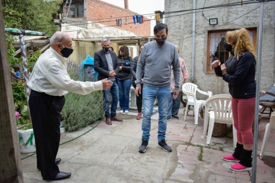 Pablo Grasso visitó a adultos mayores