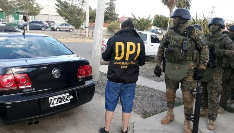 Los rodados en los que circulaban fueron secuestrados.