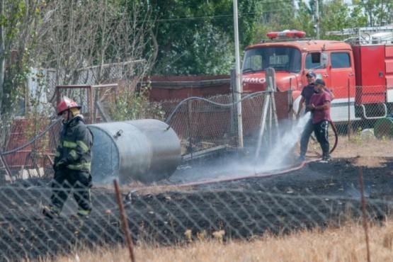 Dos dotaciones de bomberos trabajaron en el lugar. (Foto: L.F.)