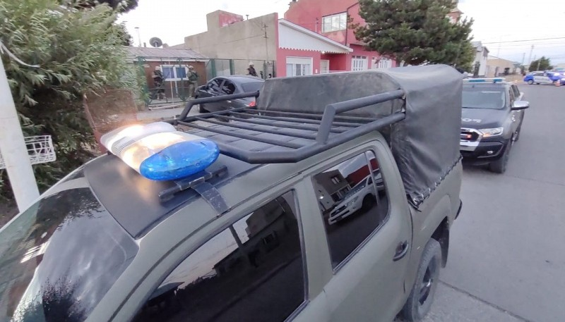Allanamiento por abuso de arma en Río Gallegos