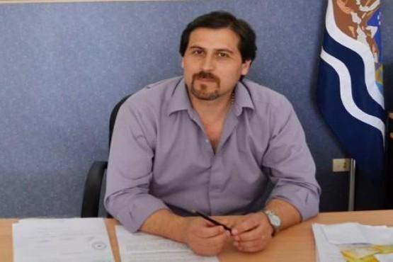 Intendente Néstor González.