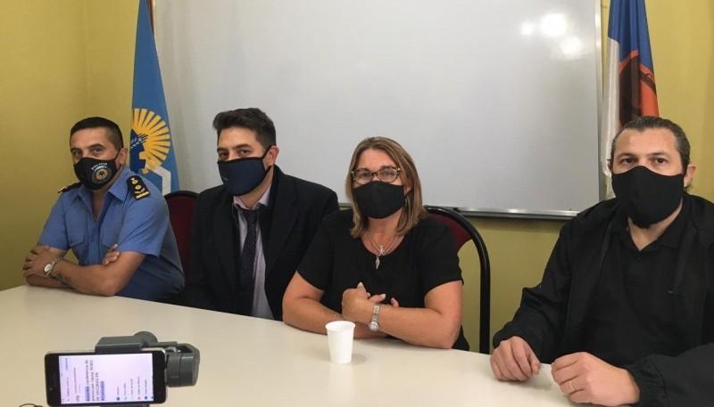 Andrea Rubio encabezó ayer una conferencia de prensa.