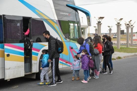 Un nuevo contingente de turistas viajo a Cabo Vírgenes
