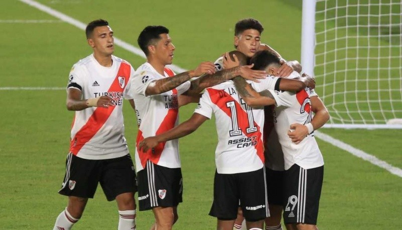 River Plate goleó a Central.