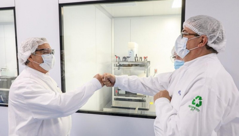 Alberto Fernández visitó el laboratorio mexicano que produce la vacuna de Oxford-AstraZeneca