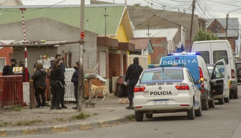Una de las viviendas allanadas por el  personal policial. (Foto: C.G.)