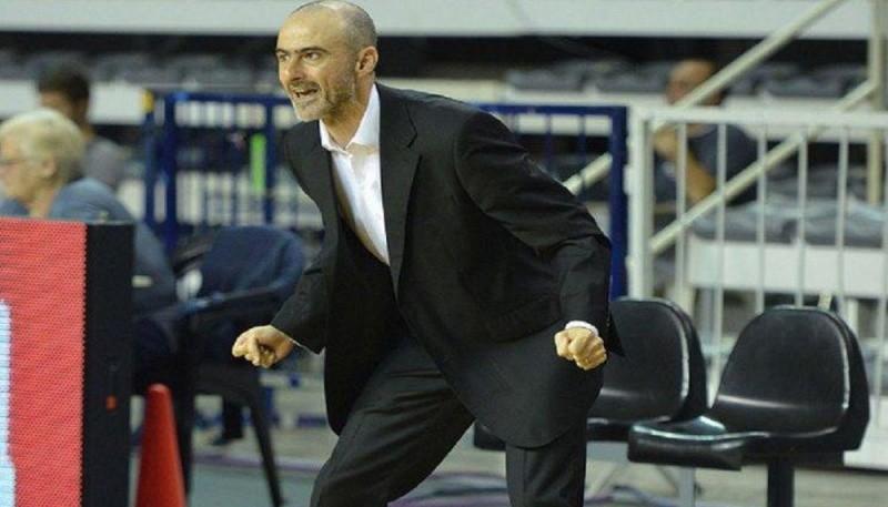 El entrenador de Hispano también dirige a la selección.