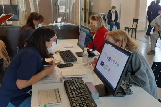 Un centenar de mayores de 80 se inscribió para vacunarse en El Calafate