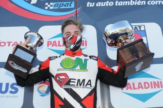 Gerónimo Núñez en el podio, tras ganar el año pasado en La Plata.