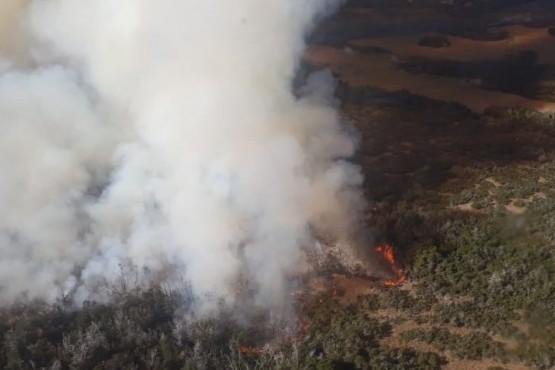 Inician un operativo especial para hacer frente a un incendio de alta montaña en Atilio Viglione