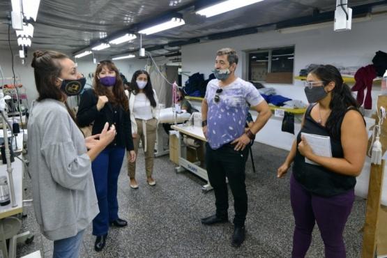 Buscan ampliar capacidad productiva del Polo Textil Trelew