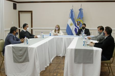 Alicia Kirchner se reunió con autoridades de la Comisión Nacional de Regulación del Transporte