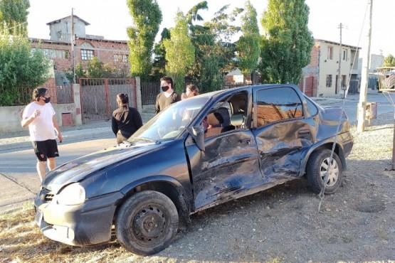 Importantes daños materiales tras colisión en Río Gallegos (Foto: C.G)